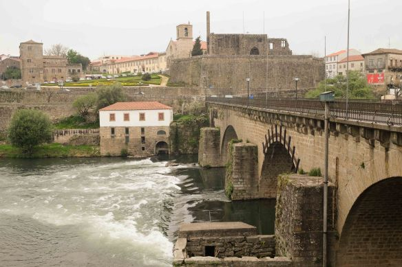 Barcelos across bridge