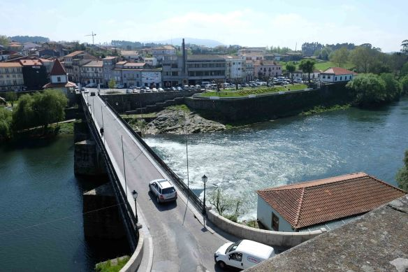 bridge over barcelos