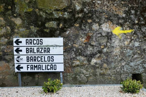 sign to barcelos