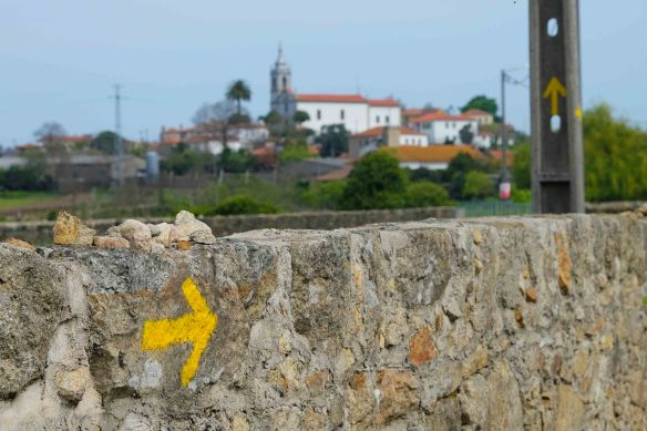 yellow arrow to Arcos church
