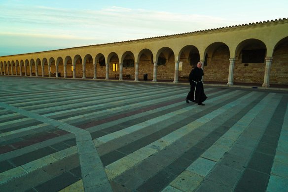 Monk at Assisi Basilica - @gonetours.com