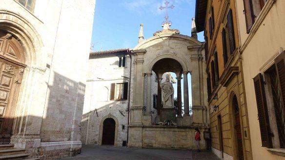 Gubbio statue