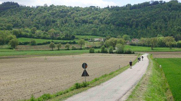 Walking to Citerna ws
