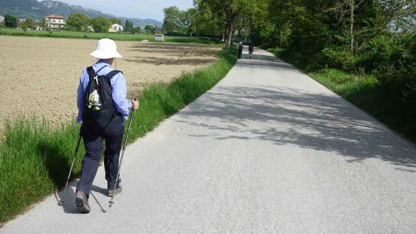 Walking to Gubbio
