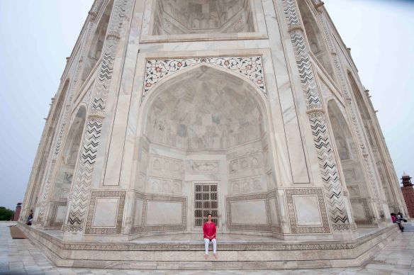 Jen at Taj Mahal. VWS