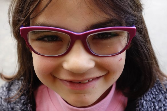 girl with purple glasses-1