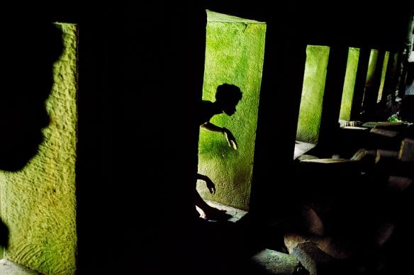 00054_09, Preah Khan, Angkor, Cambodia, 1999, CAMBODIA-10049NF. Shadow Play. Untold_book retouched_Sonny Fabbri 09/08/2015