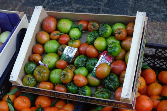 box-of-tomatoes