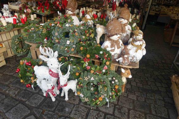 deer-in-vik-market