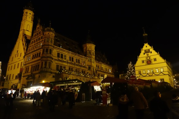 rothenburg-christmas-markets-night